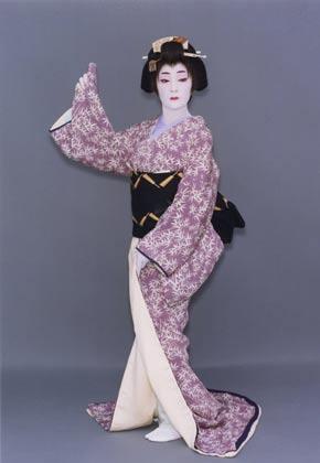 日本舞踊「藤間流」師範 藤間知枝