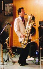 飯塚雅幸がバリトンサックス奏者「サージチャロフ」の「絹のような音色」を勉強中です。