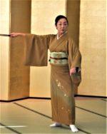 藤間知枝主宰「令和二年・藤友会踊り初め」を1/19(日)「中里温泉・藥師の間」で開催しました。