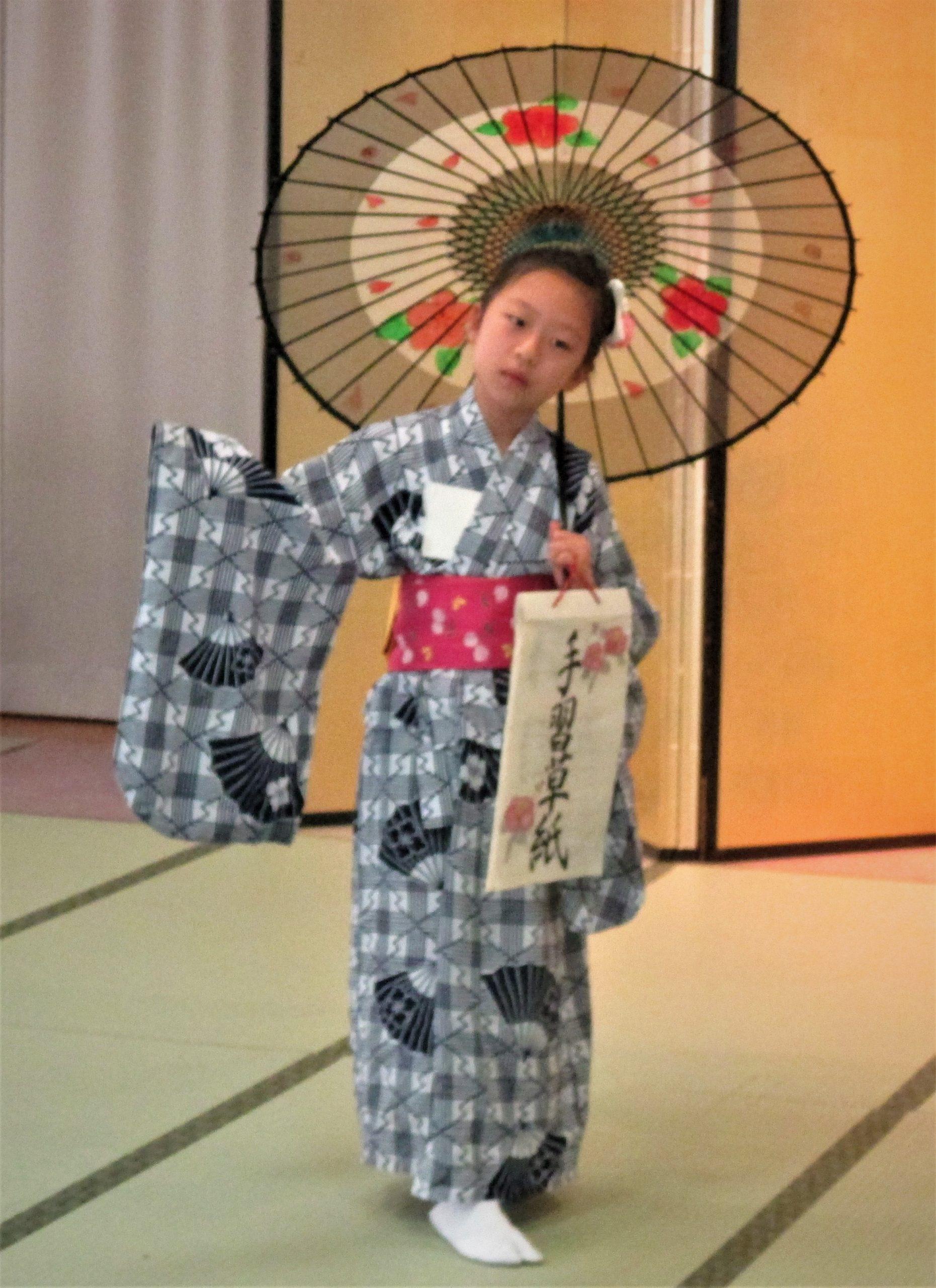 藤間知枝が8/30(日)主宰する「令和二年、藤友会・ゆかた会」を中里温泉・藥師の間で開催致しました。