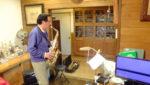 飯塚雅幸が医師N邸を訪問、先生の愛器「フランスセルマー・セリエ2」のバランスチェックをしました。