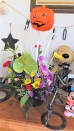 飯塚雅幸&藤間知枝自宅の玄関が、孫作成の「フラワーアレンジ」で華やかです